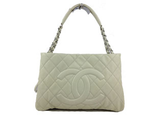 BRAND NEW Chanel Beige Caviar Zip Expanable with Silver Hardware