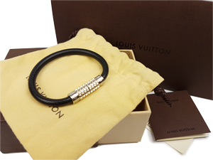 SOLD OUT Louis Vuitton Ardoise Taiga Leather Digit Bracelet M6629D